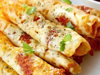 Easy Keto Pizza Roll Ups