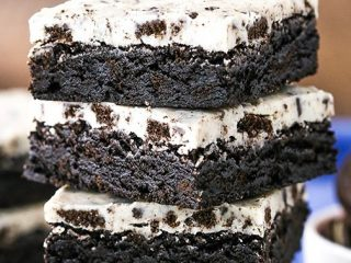 Fugy Cookies And Cream Brownies