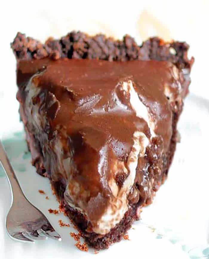 Delicious Chocolate Fudge Brownie Pie