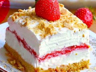 Easy No Bake Strawberry Cheesecake Lasagna Recipe